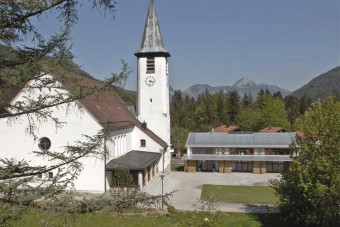 Katholisches Pfarrzentrum Neuhaus